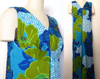 1960s 60s Muumuu Dress / Hawaiian Maxi Dress Paradise Hawaii / Blue Floral Muu Muu Hostess Dress / Vintage size 16 fits Smaller