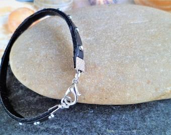Bracelet black studded clasp 18 Cm, width 5 mm