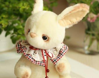 Artist Teddy rabbit Tony. . 9.8 inches