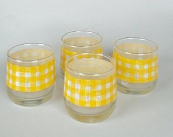 1 Set of 4 RARE Vintage Glasses with Yellow Gingham Design - Yellow & White Small Glass Tumblers, Retro Modern Kitchen Birthday Wedding Gift