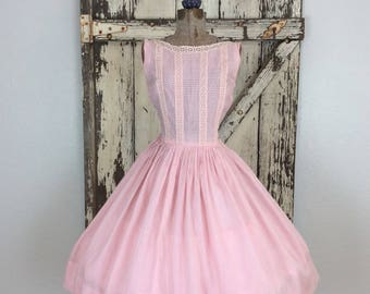 Vintage 1950s Soft Pink Lace and Linen Sleeveless Full Dress Small 24 Waist