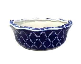 Vintage Chinese Planter, Chinese Cobalt Blue Planter, Vintage Chinese Plant Pot, Blue Chinoiserie Decor, Chinoiserie Bowl, Housewarming Gift