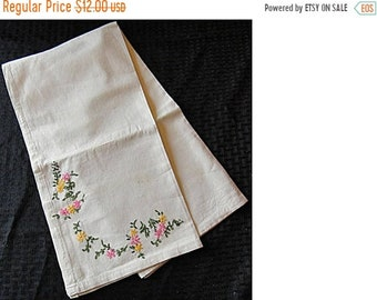 """SaLE - Pretty AND Practical Natural Unbleached Muslin Tea Towel / Dish Towel ~ Flower Embroidery ~ 32"""" x 32"""" (HH0012)"""