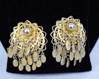 Vintage 1950s 1960s gold tone triple layer filigree and embossed ovals dangle clip on earrings