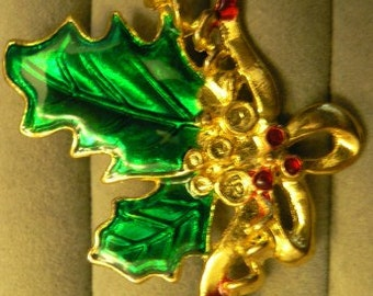 vintage jewels ...  CHRISTMAS HOLLY BROOCH Pin   ...