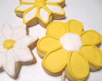 Yellow flower sugar cookies Favors or Gifts (1 dozen)