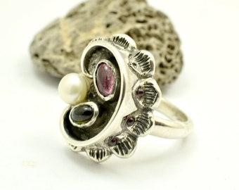 Tourmaline sterling silver ring multi stone green tourmaline watermelon white pearl and garnets, kidney scallop pattern freeform ring