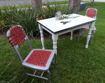 Unique Porcelin-Topped Table withVintage Webbed Chairs