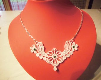 White lace with chain necklace