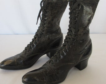 Vintage Leather Victorian Lace-Up Ladies 19th Century Shoes