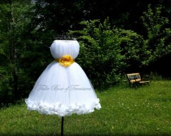 Sleeveless White Junior Bridesmaid Dress with Yellow Flower and Sash