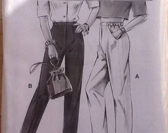 Sewing pattern.  NeueMode & Stil J22128.  Ladies straight leg pants, trousers with elasticated back waistband.