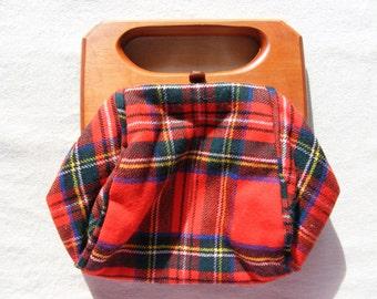 Vintage EUC Scotland Scottish Tartan Wool Fabric Mad Men Plaid Purse Clutch Bag Handbag Satchel Cedar Wood Handle Bermuda Trimingham Bros
