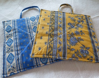 Pot holder set, Unique Provence gift .Set of 2,hot pad,oven mitt,kitchen trivet,gift set,cotton, French fabric from Provence ,France