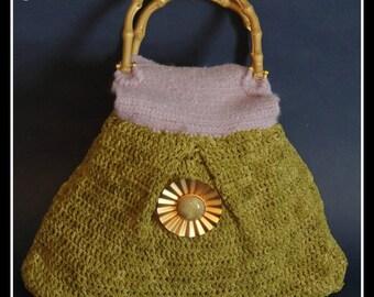 green pinwheel purse