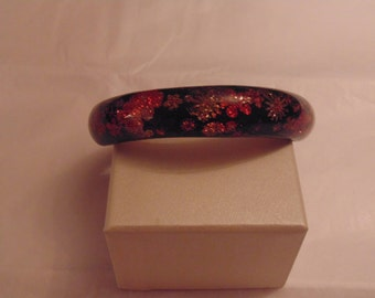 Pretty Lucite Bangle