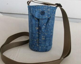 Water Bottle Holder Sling//Walkers Insulated Water Bottle Cross Body Bag// Hikers Water Bottle Bag- denim blue cork like cotton fabric