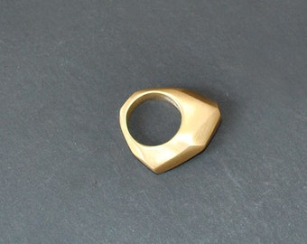 Faceted ring - Hand made - Bronze - Golden - Minimalist - Contemporary Jewelry