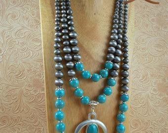 Cowgirl Necklace Set - Chunky Turquoise Howlite - Southwestern Style Naja Pendant