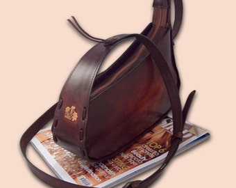 Leather handbag slanted