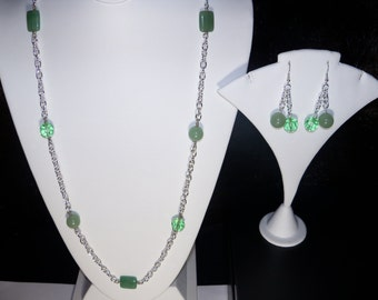 A Lovely Green Aventurine Necklace and Earrings. (2016109)