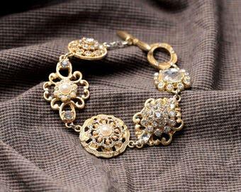 Beautiful Bracelet fashion retro chic!