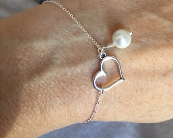 Heart and pearl bracelet, Bridesmaid Gift, Heart Charm Bracelet, bridesmaid jewelry, wedding bracelet, bridal jewelry, bridesmaid bracelet