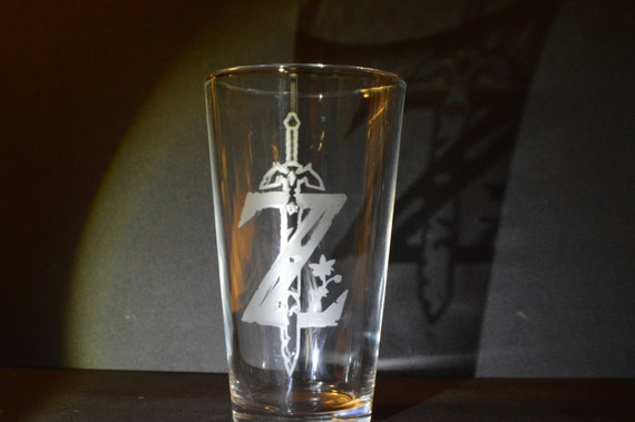 "Legend of Zelda ""Z"" pub glass"