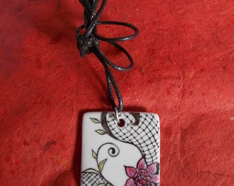 Pendant square 'lace and flower pattern'