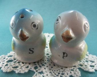 Vintage Blue Bird Salt and Pepper Shakers, Baby Bird Salt and Pepper, Blue bird of Paradise shakers, Little Birdies SP, 1960s