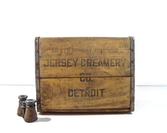 Vintage Dairy Crate / Metal and Wood Jersey Creamery Detroit Michigan Milk Crate / Rustic Storage