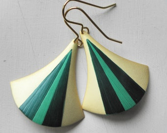 "Earrings ""Curved"" inlaid straw and gold 24 k"