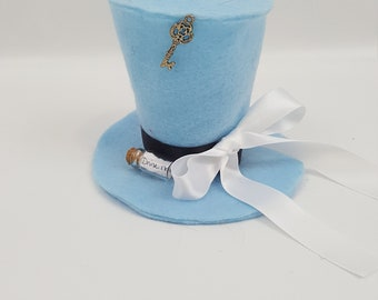 Alice Tiny Top Hat, Alice in Wonderland Costume, Halloween Costume, Alice Party Favor, Alice in Wonderland, Wonderland Tiny Hat, Alice