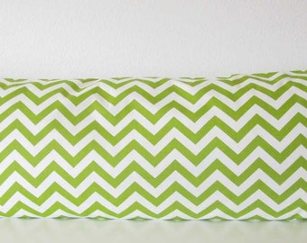 Pillow Cover - Green - White - chevron - Zig-Zag print - accent pillow cover -Cushion Cover