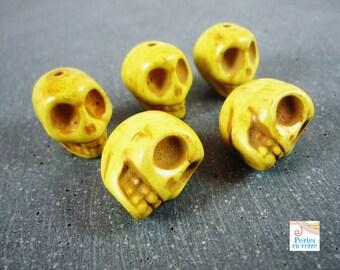 2 beads large yellow skulls howlite, 18mm (PH4)