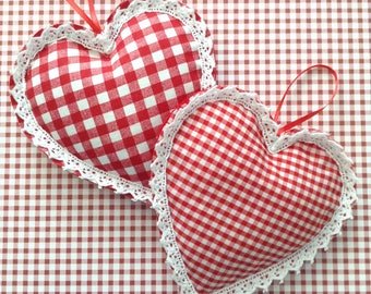 Gingham Hanging Hearts / Red and White Xmas Ornaments / Hanging Hearts / Set of 2 / Christmas Tree Ornaments / Xmas Vintage Hearts