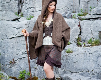 Cape, tweed cape, wool cape, celtic cape Hooded Cape, viking cape, celtic, druid cape, vintage cape, irish coin jewellery, pocket, broach