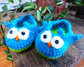 Baby Owl Booties in Colors of Blue and Green, Crocheted Baby Booties, Crocheted Baby Boy Booties