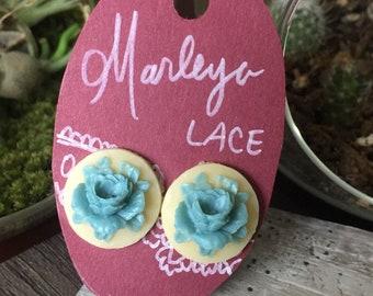 Beautiful vintage rose cameo stud earrings