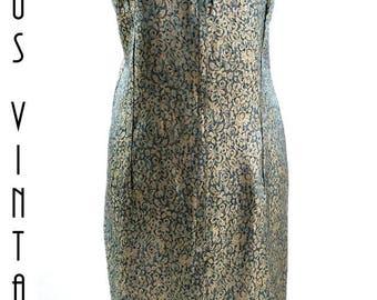 """UK 12 14 Vintage 1960s Brocade Shift Wiggle Dress Blue Gold Floral Mad Men US 8 10 Bust to 42"""" / 107cm"""