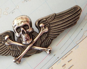 Steampunk Pin Wings Skull & Crossbones Gothic Victorian Metal Pilot Wings Badge Primitive Antiqued Finish