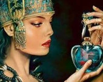 Egyptian oud perfume oil oriental rich , floral woods amber musk