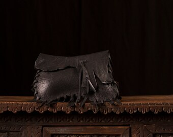 No 5001 Black buffalo leather clutch with fringe and magnetic closure