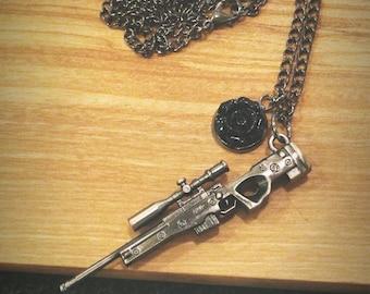 """30"""" Gunmetal Gun Scope Rifle & Black Rose Necklace"""