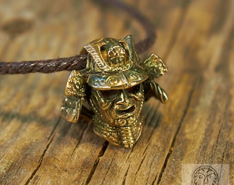 Samurai Helmet Pendant, Ancient Helmet, Japanese Warrior, Warrior Accessories, Beads, Phone Charm, Paracord Accessories, Manly Jewelry