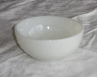Vintage Ivory Fireking Chili Bowl