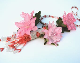 Tubular Beadwoven Necklace in Coral, Red, & White Rainstick Necklace