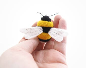 Made to order, Bumble Bee, brooch, magnet, keyring, bee gift, cute gift, cute bee, needle felt, wool, black, yellow, gift idea, save the bee