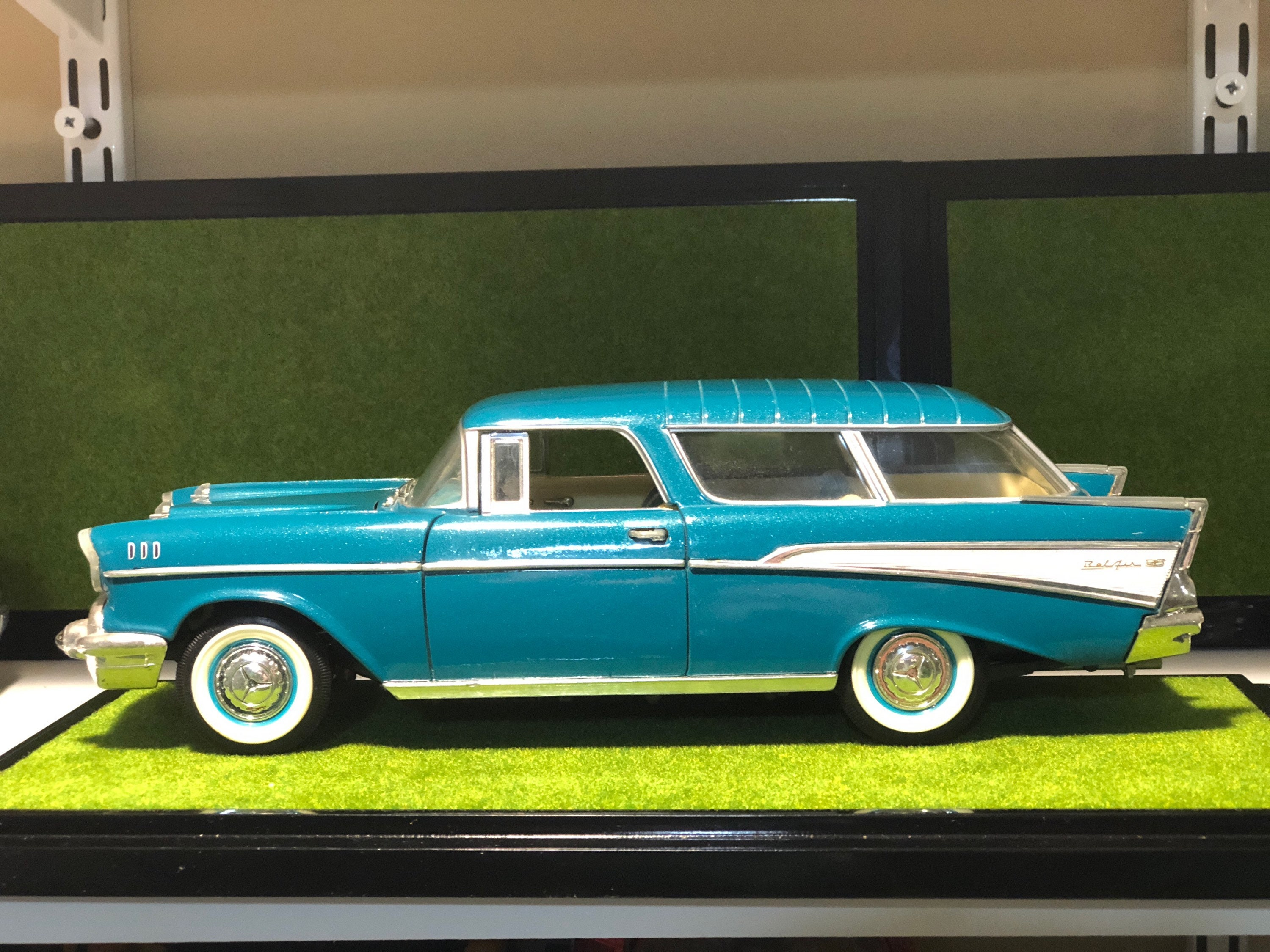 1957 Chevrolet Belair Nomad Station Wagon 1 18 Diecast Car Chevy Zoom