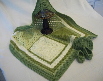 Hooded Baby Blanket w/ Hat and Booties- Green